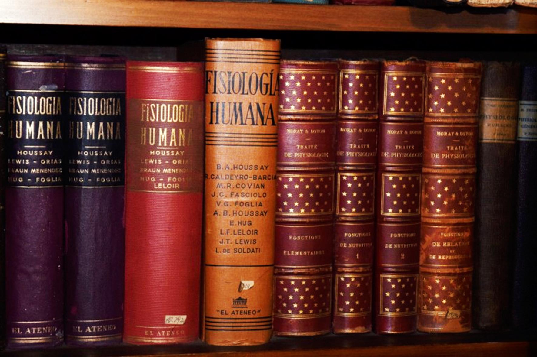 Distintas ediciones del libro Fisiología Humana
