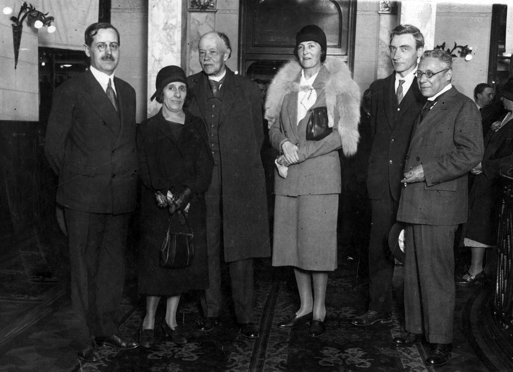 Houssay con Nicolle (Premio Nobel 1968); Dra.Wollman, Dr. Rosenbusch y el Dr. Salvador Mazza (1937)